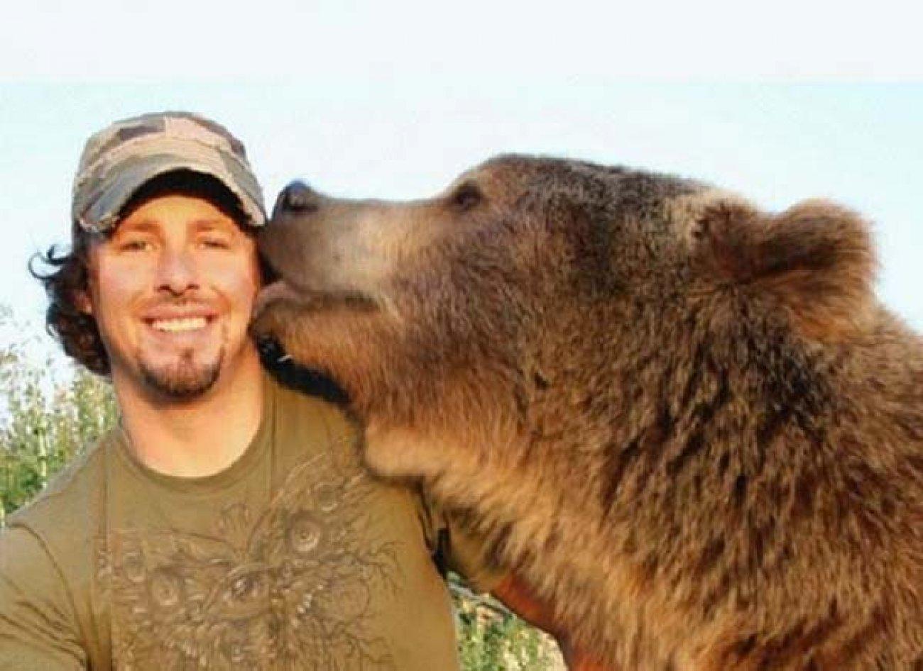 L'homme et l'ours